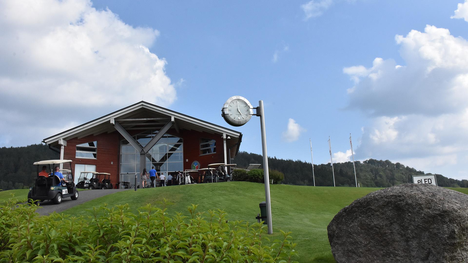 Online datování pro golfisty uk